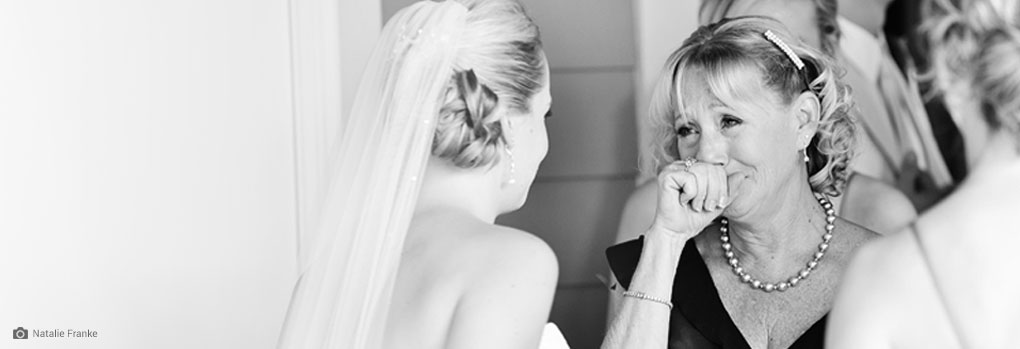 6 Ways to Honor Your Mom at Your Wedding